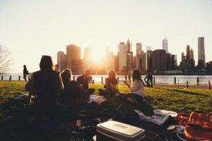 summer activities, picnic, friends, fun