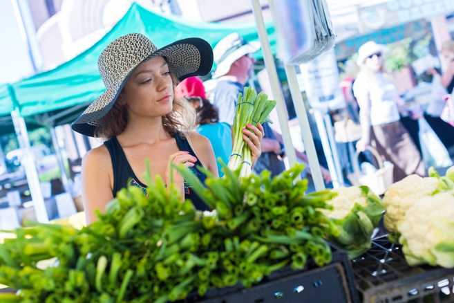 Tips for Navigating Your Local Farmers Market: 10 Things to Know Before You Go