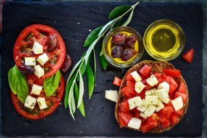 mediterranean diet, healthy fats, olive oil, fight breast cancer