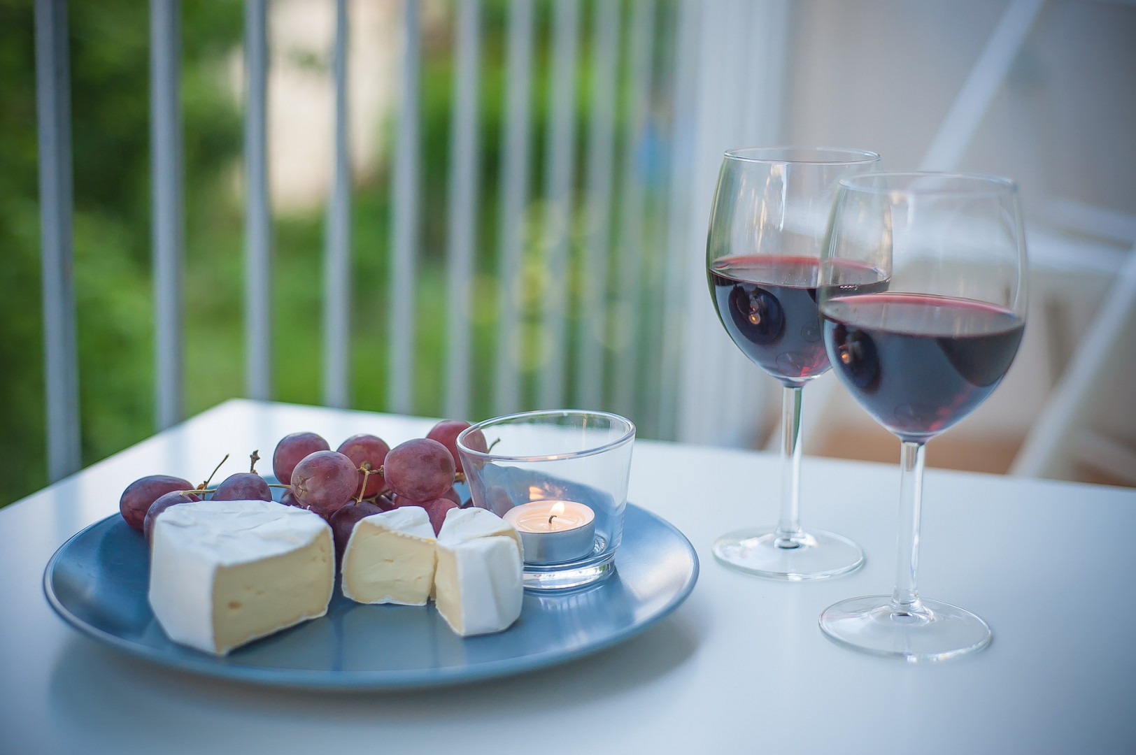 reduce cognitive decline, cheese, wine, cognitive function
