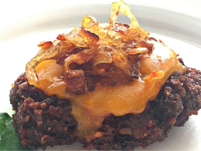 smoky bacon burger, grassfed beef, burger recipe, beef recipe